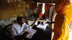La zona de Darfur, al suroeste de Sudán, elige en un referéndum si mantendrálos cinco estados o se convertiráen un ente semiautónomo.