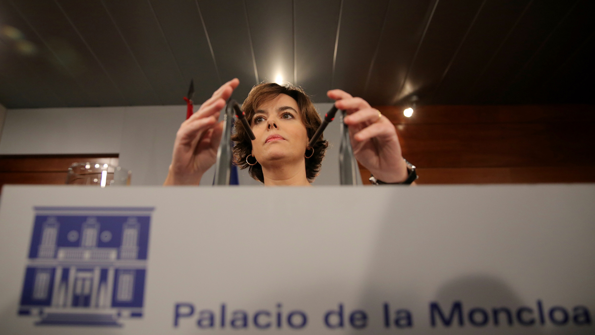 Sáenz de Santamaría: Ni Puigdemont ni nadie puede sacar conclusiones de una ley que no existe.