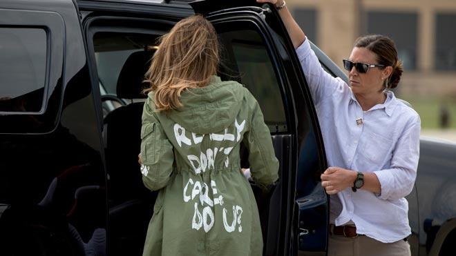 Melania Trump la lía con una chaqueta de Zara