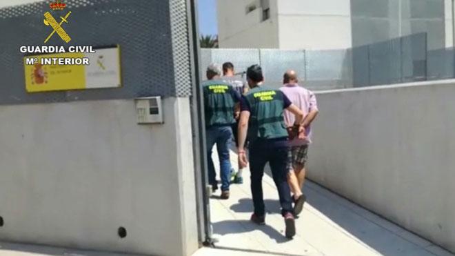 Detinguts per apropiar-se de 200.000 euros d'una dona de 97 anys