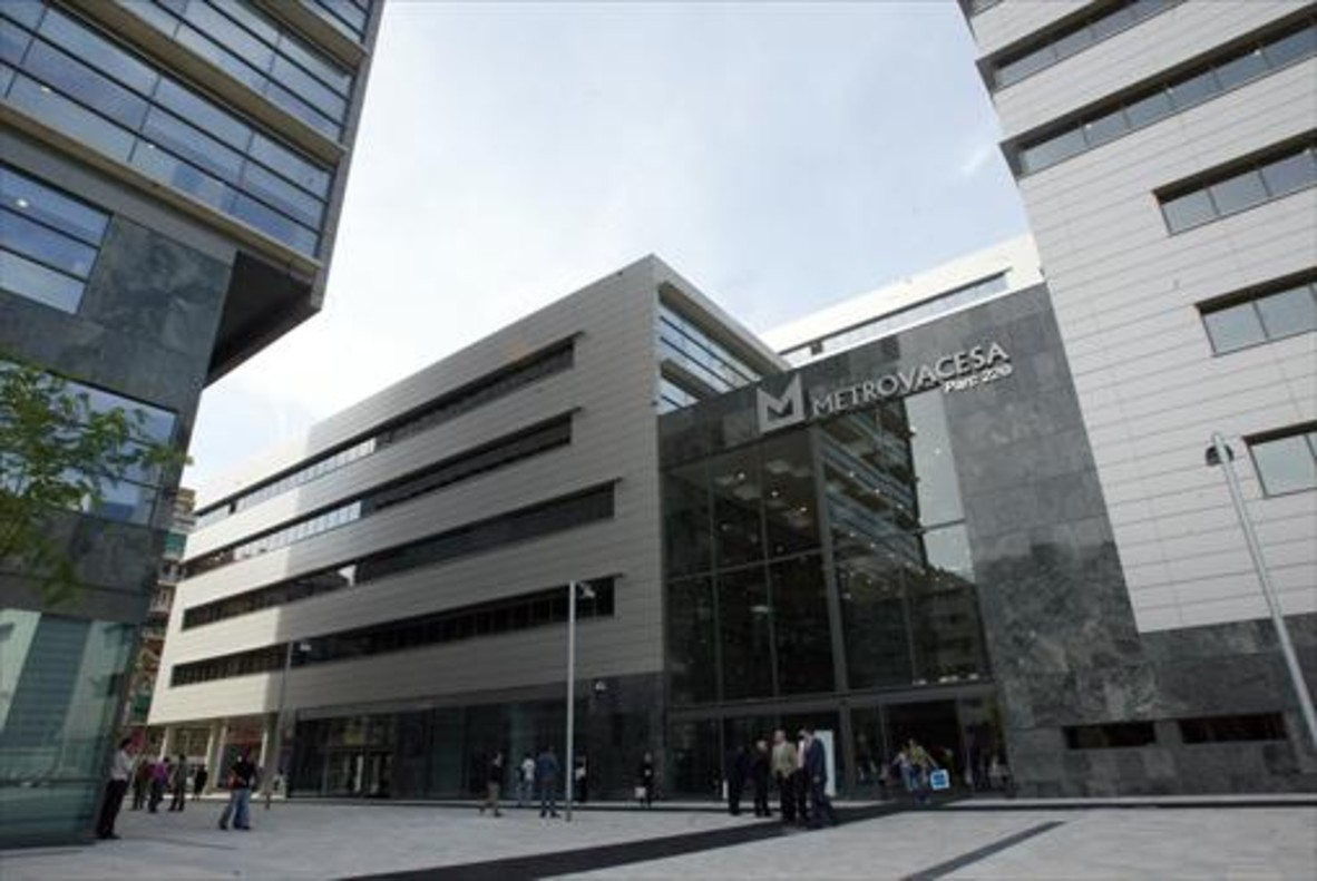 Edificio de Metrovacesa en el Poble Nou.