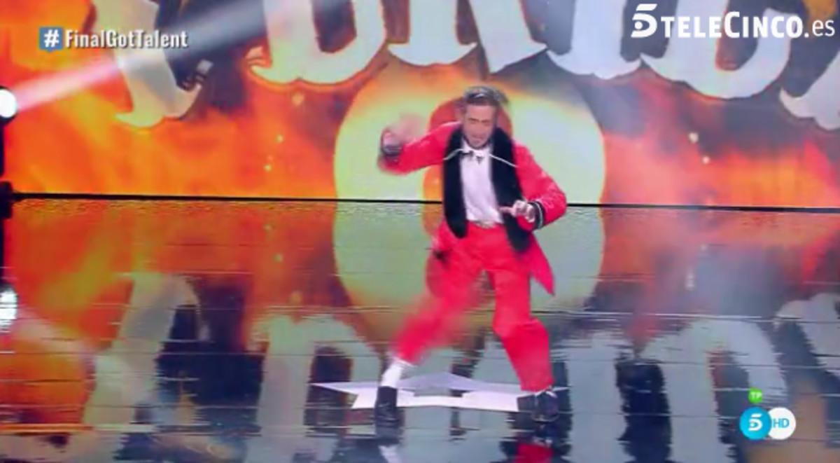 Imagen de la actuación en la final de Got Talent de Antonio el Tekila.