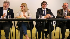 Albert Batet, Elsa Artadi, Carles Puigdemont y Josep Costa, el 18 de abrilen Berlín.