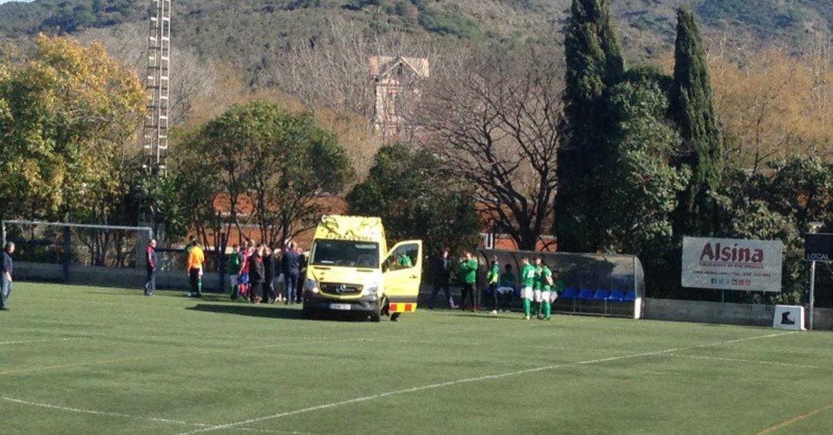 La ambulancia que recogió al técnico ampurdanés.