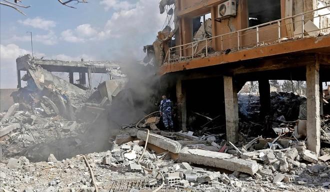 Trump cumple el expediente con un ataque limitado en Siria