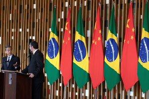 El canciller de China,Wang Yi,y su homologo de Brasil,Ernesto Araujo.