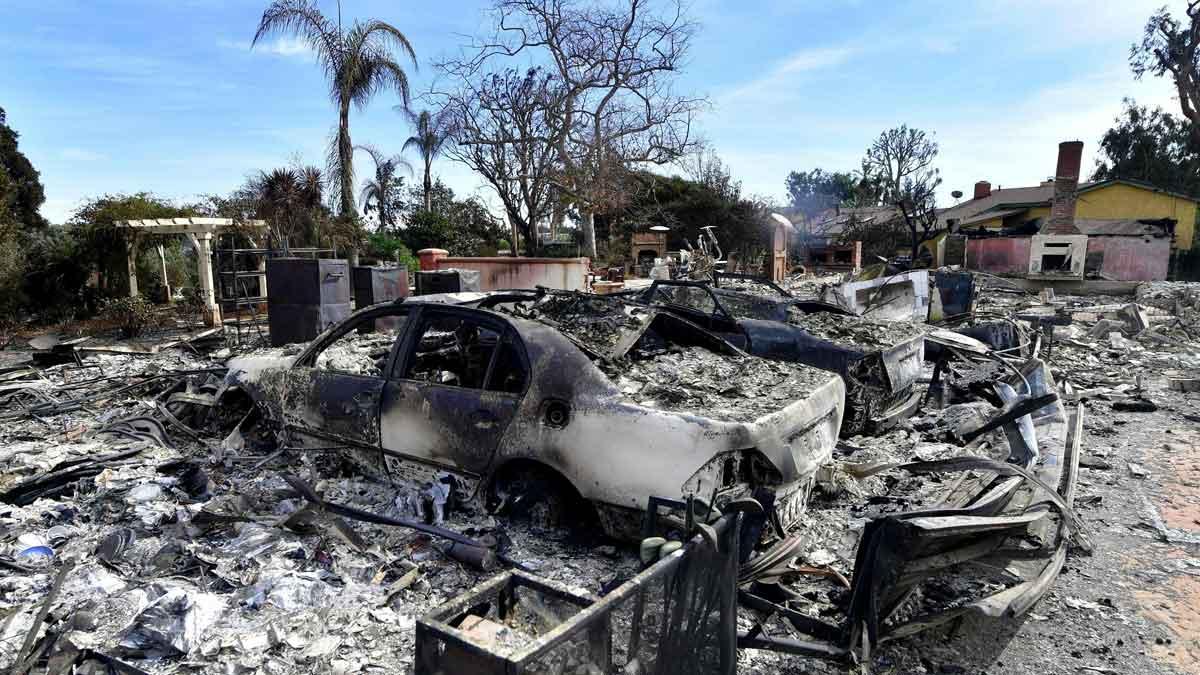 Se elevan a 50 los muertos en el incendio de California.