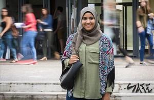 Takwa Rejeb, la joven musulmana a la que la Generalitat Valencia ha autorizado ir a clase con velo, este martes.