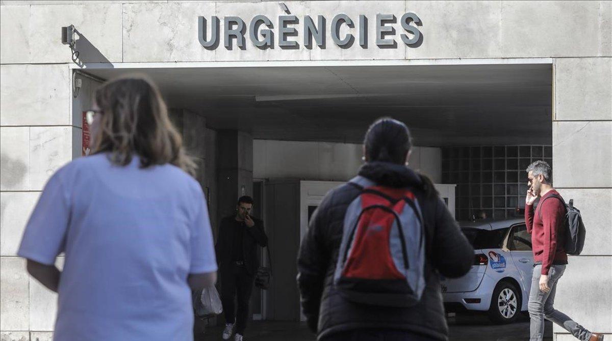 La entrada de urgencias de un hospital valenciano.