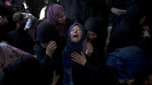 Familiares de una de las víctimas muertas en un bombardeo israelí.