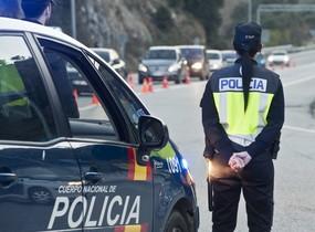 ARCHIVO. Un control policial en La Jonquera en marzo del 2014.