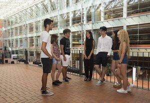 Un grupo de estudiantes en la Universitat Pompeu Fabra.