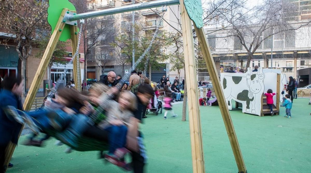 Niños en un parque de Barcelona.