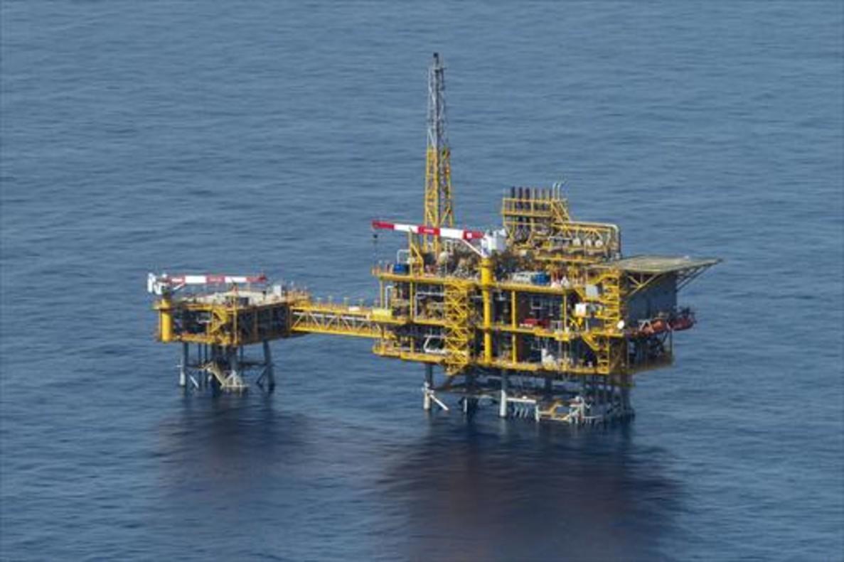 Imagen aérea de la plataforma del Castor, frente a las costas de Tarragona.