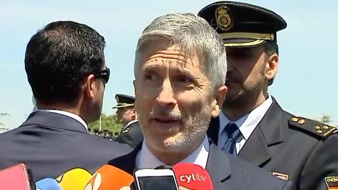 Grande-Marlaska: Creo que se puede garantizar el mismo nivel de seguridad con medios menos cruentos.