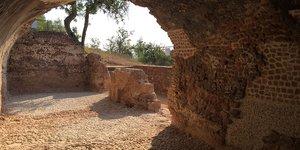 Una vintena de joves participen en un campus d'arqueologia a la vila romana de Can Valls de Gavà