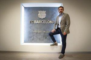 Josep María Bartomeu, en la entrada del club