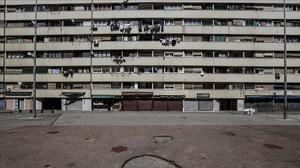 Bloque de viviendas de la calle Venus del barrio de la Mina.