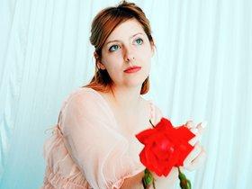 Molly Burch, per amor a la balada
