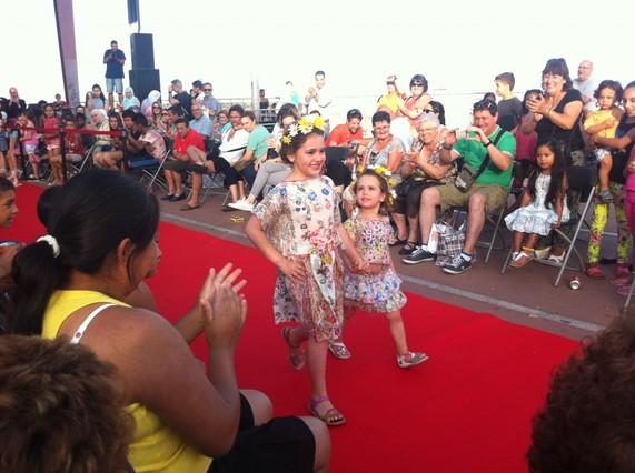 Un momento del desfile de moda en la pasada edición de la Roquetes Fashion Week.