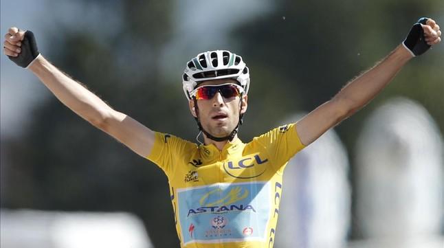 Nibali celebra la victòria en la primera etapa alpina del Tour.