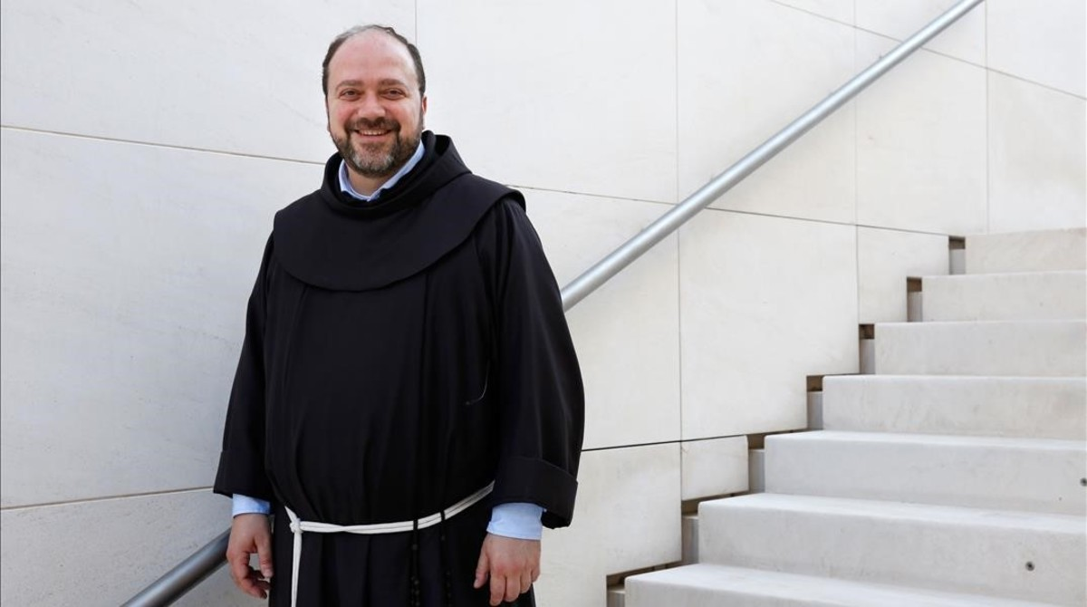El padreIbrahim Alsabagh, un fraile franciscano sirio que volvió a su país para ayudar a su gente.