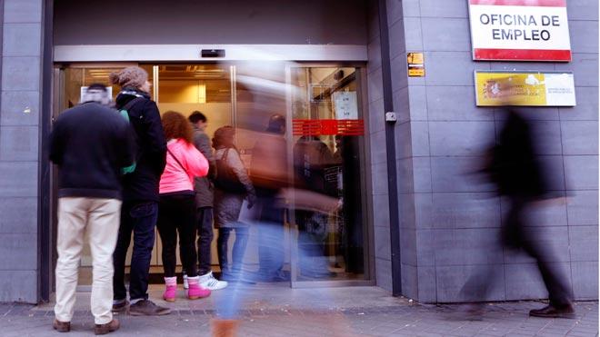 El paro sube en febrero en 3.279 personas. En la foto, una oficina del Inem en Madrid.