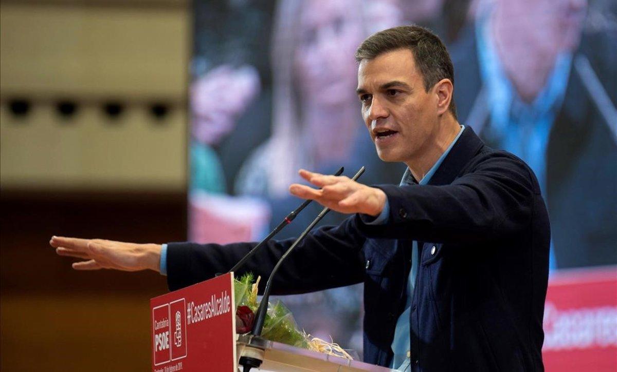 Pedro Sánchez, este domingo, en un acto en Santander.