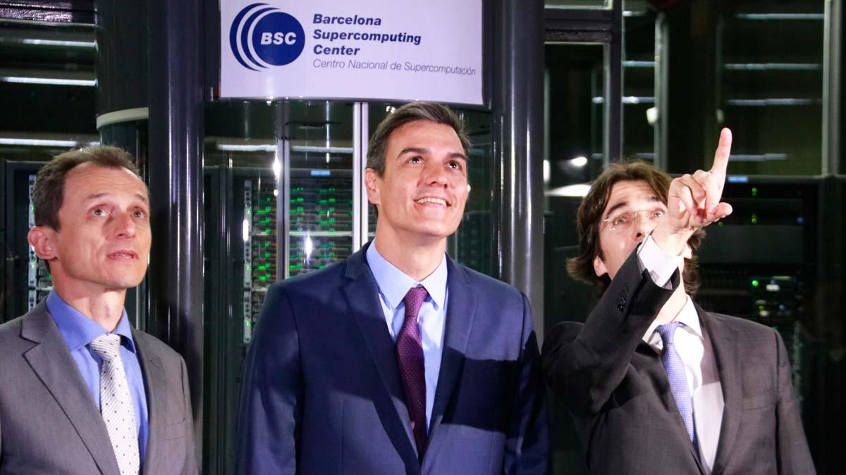 Pedro Sánchez y Pedro Duque visitan el Centro Nacional de Supercomputación (BSC) en Barcelona.