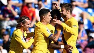 Piqué celebra el gol de Junior Firpo, el 0-2 al Getafe.