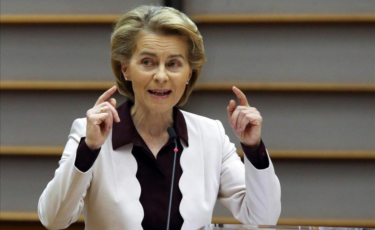 La presidenta de la Comisión Europea, Ursula Von der Leyen, durante el plenario del Parlamento Europea.
