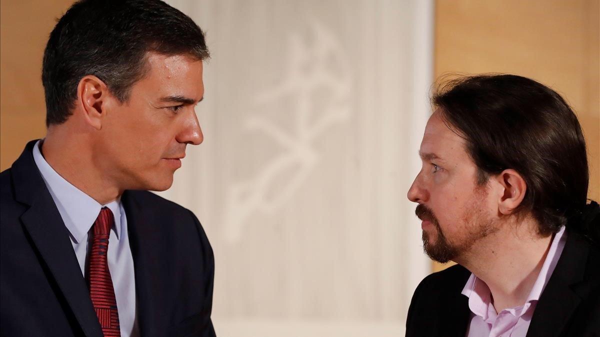 El presidente del Gobierno en funciones, Pedro Sánchez, y el líder de Unidas Podemos, Pablo Iglesias, antes de su reunión del pasado 9 de julio.