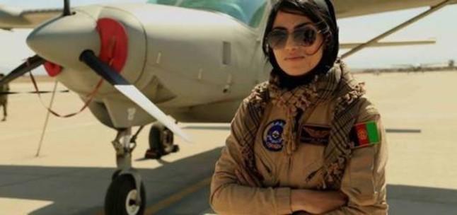 Nilofar Rahmani, la primera pilot de les Força Aèria dAfganistan.