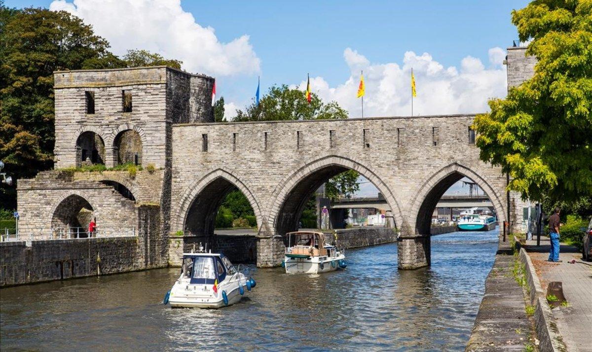 Resultado de imagen para El puente de los Agujeros de Tournai