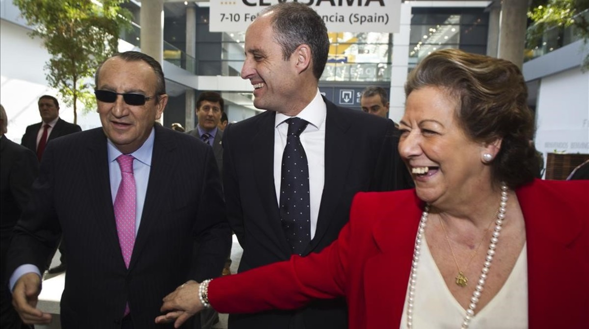 La por entonces alcaldesa de Valencia junto a Carlos fabra y Francisco Camps.
