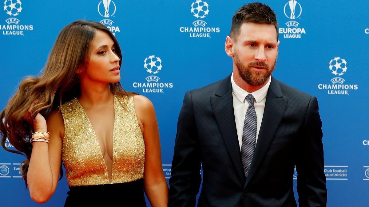 Messi, junto a Antonella, en la gala de este jueves en Mónaco.