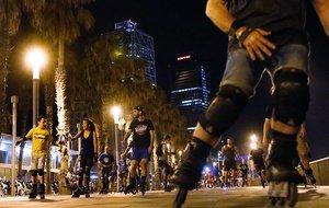 Una de las rutas nocturnas sobre patines.