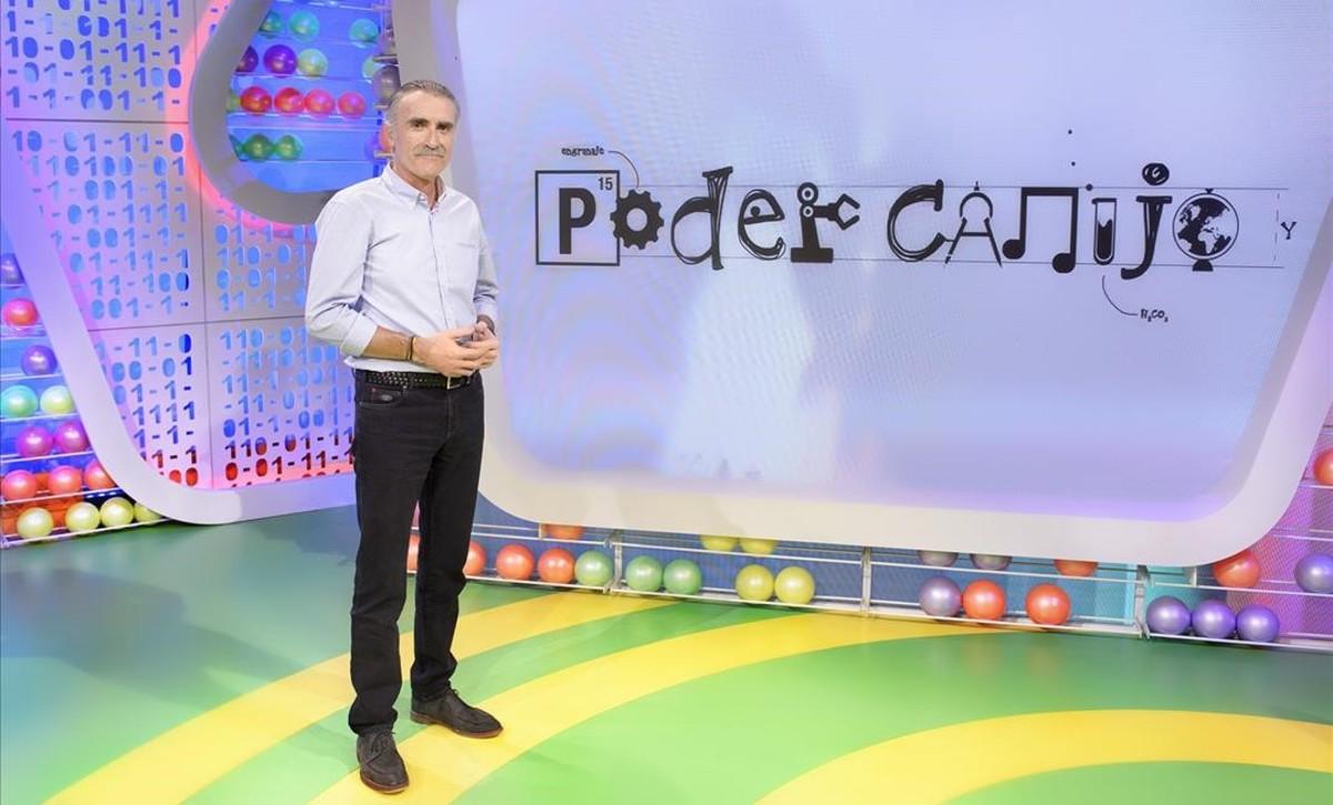 Juan y Medio, el presentador de 'Poder Canijo', en el plató del nuevo programa de TVE.