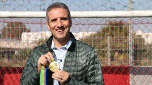 Toni Gerona, con la medalla de campeón de África que ganó con la selección de Túnez en el 2018.
