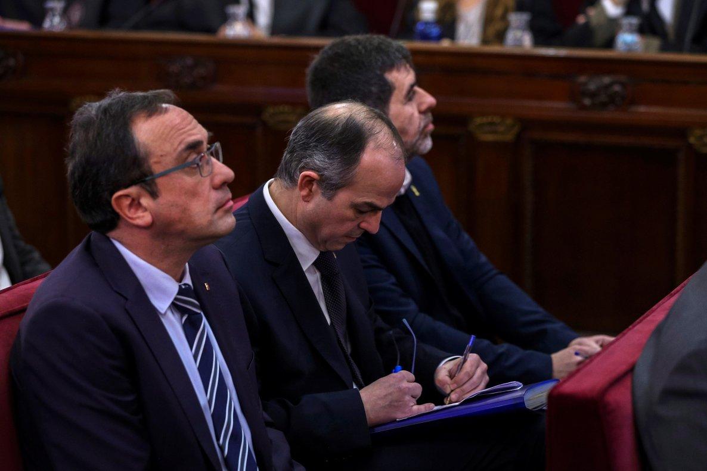 Josep Rull Jordi Turull i Jordi Sanchez durant la primera jornada del judici de l 1-O el 12 de febrer del 2019 horitzontal Pool EFE ACN