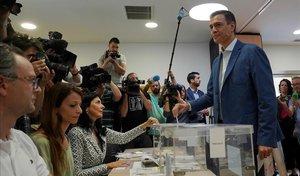 Pedro Sánchez vota en Madrid.