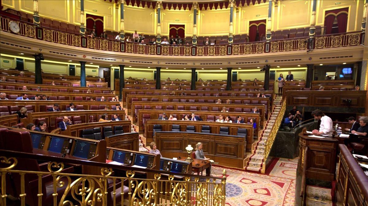 Imagen del hemiciclo semivacíodel Congreso de los Diputados, en un pleno del pasado mes de mayo.