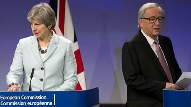 Els unionistes irlandesos reben amb cautela l'acord May-Juncker