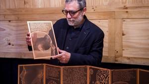L'art de Plensa redescobreix la poesia d'Estellés