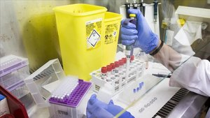 Laboratorio de control de la gripe del Clínic.