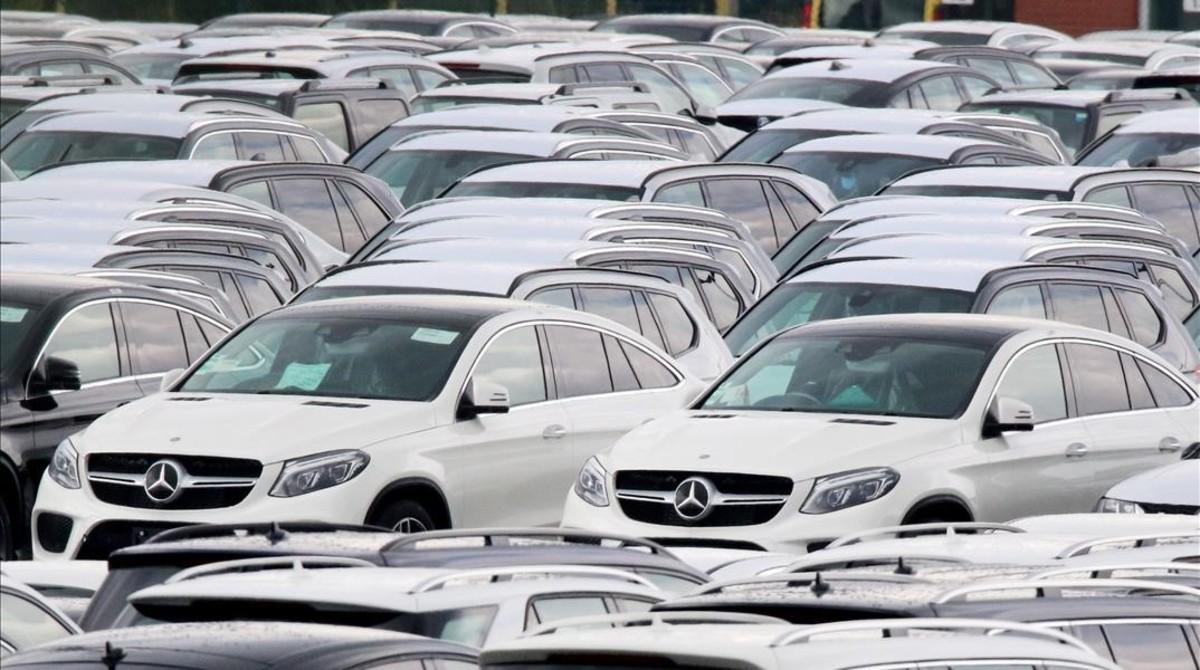 Daimler retira un milió de vehicles a tot Europa