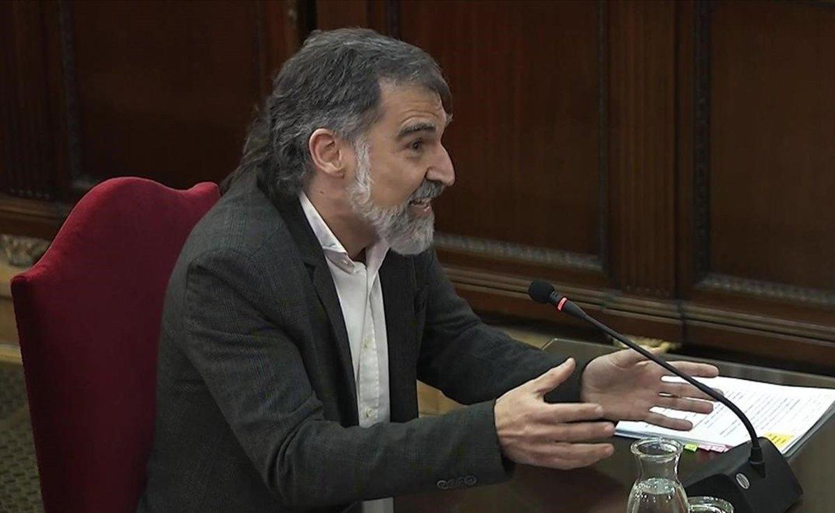 El fiscal pide que Cuixart pueda salir de prisión por el nacimiento de su hijo