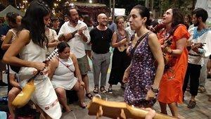 La 'Banda de la Tarima' en las fiestas de Sants.
