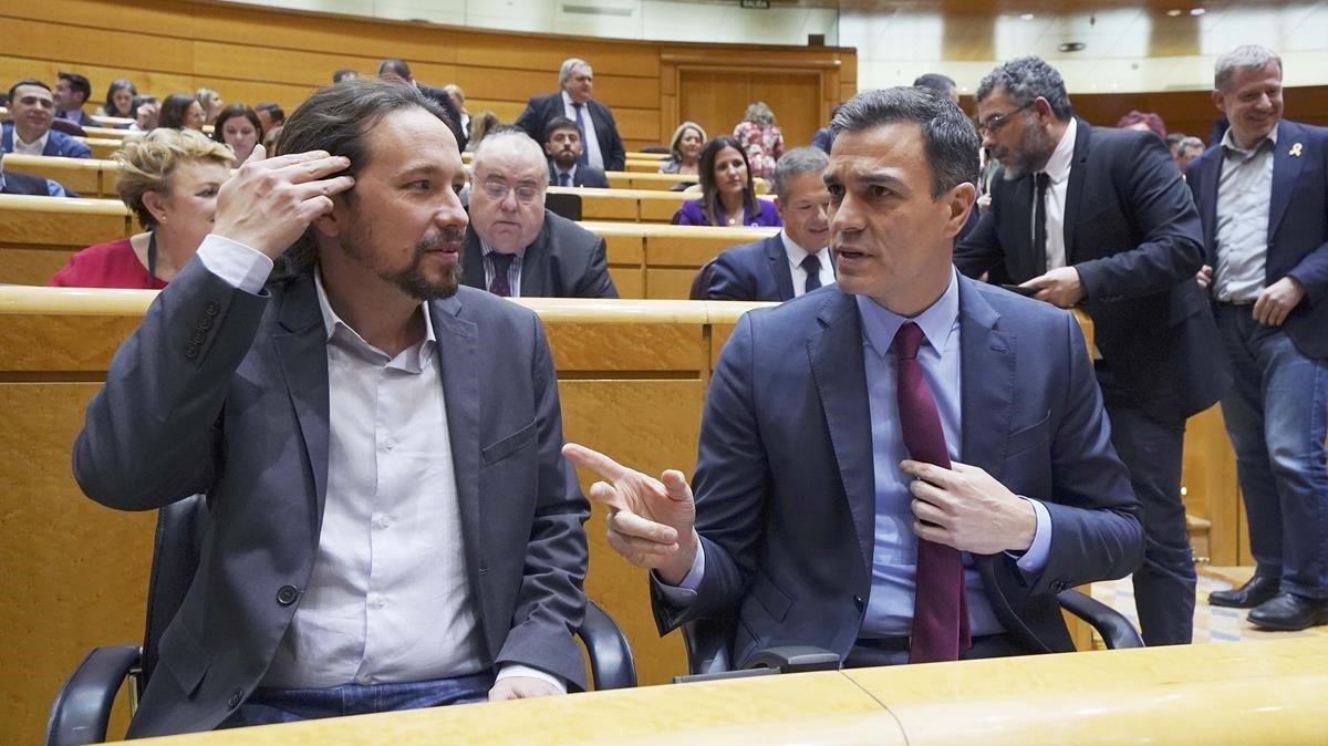 El presidente del Gobierno, Pedro Sánchez, y el vicepresidente segundo de Derechos Sociales y Agenda 2030, Pablo Iglesias
