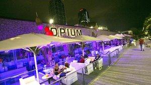 Terraza del restaurante y club Opium, el pasado junio.